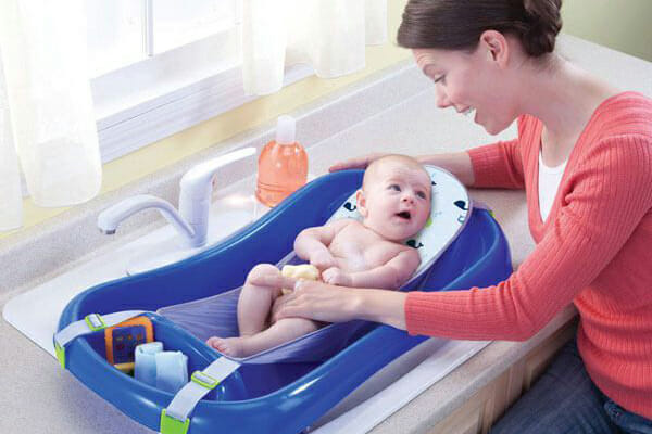 Transitioning Your Child from a Baby Bath Tub To A Regular Tub