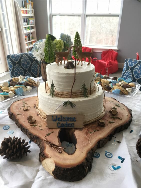 Pinetree with Animals Cake