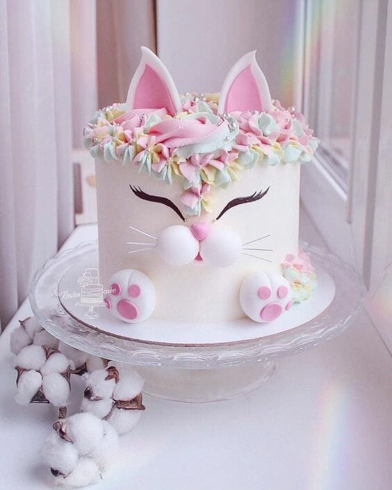 White Kitty Cake