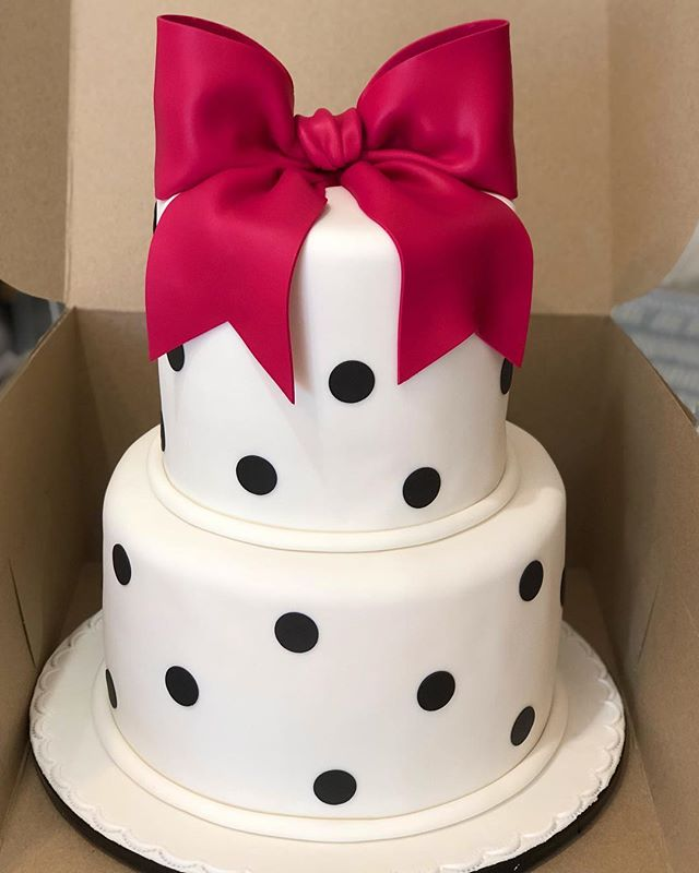 Bow With Polka Dot Cake