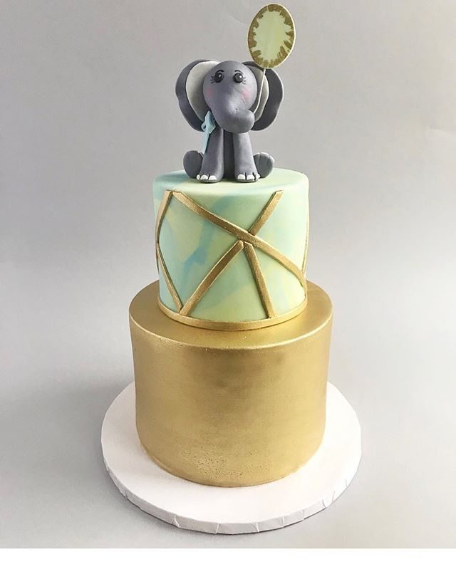 Cakestries' Elephant with a Balloon