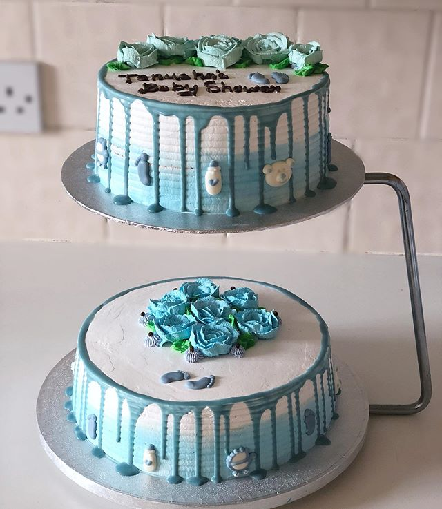 Sweet and Savour Cakes' Blue Drip Cake